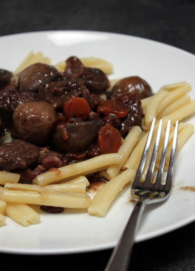 Recette boeuf bourguignon un classique de la cuisine - Cuisine bourguignonne ...