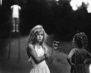 9583e manncandy cigarette.1280567617 Londres   Exposition photos de Sally Mann : La perte de l'innocence