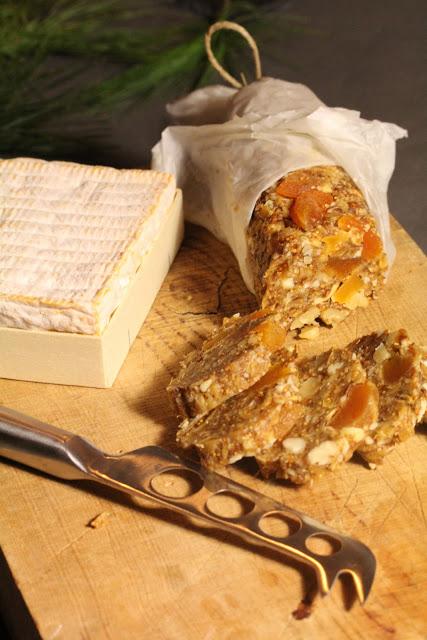 Saucisson de fruits secs pour accompagner fromages et foie gras (Recette française) 1