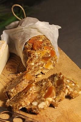 Saucisson de fruits secs pour accompagner fromages et foie gras (Recette française) 2