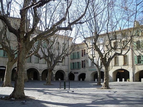 Uzès: premier Duché de France (Tourisme en France) 15