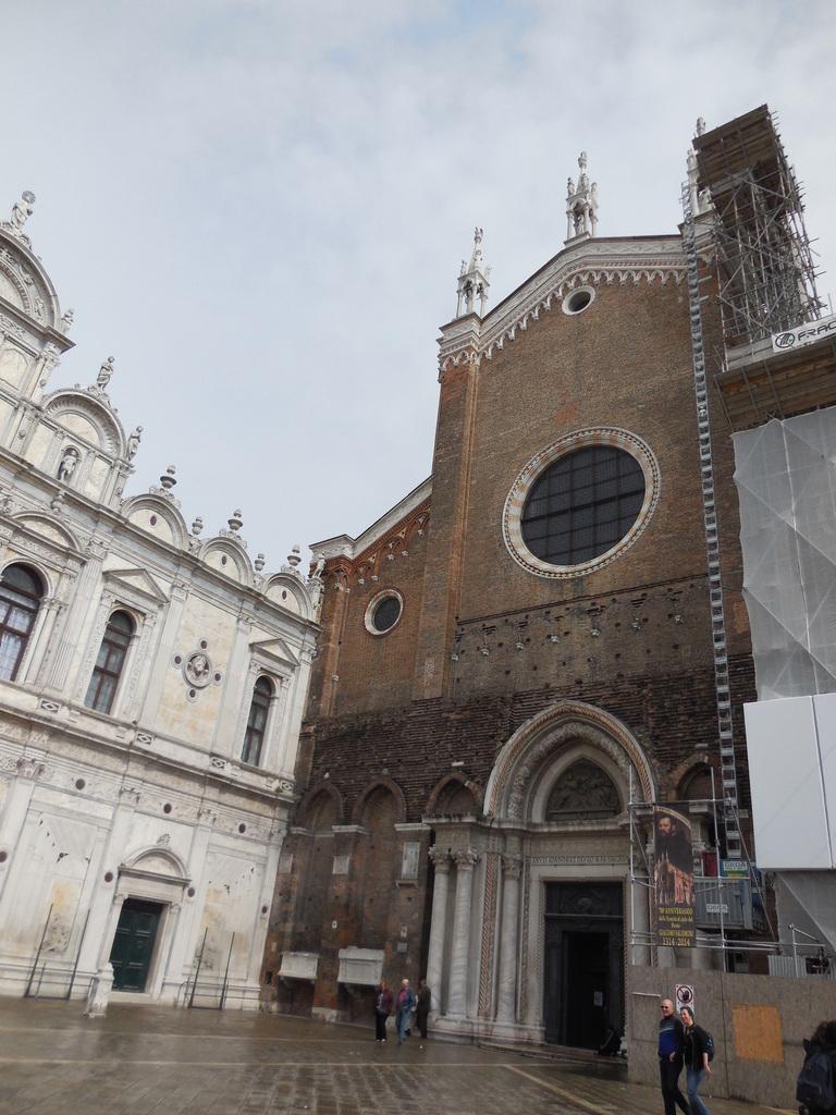 La façade de l'église dei Santi Giovanni e Paolo...