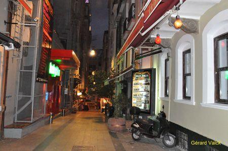 a278c 80406814 p ISTANBUL ... LA NUIT