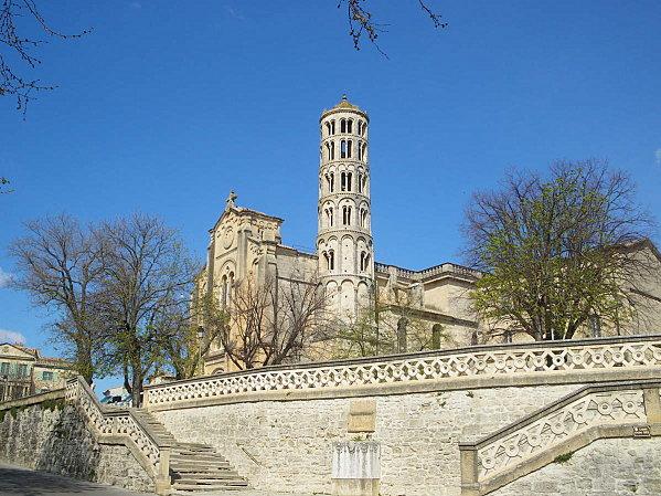 Uzès: premier Duché de France (Tourisme en France) 1