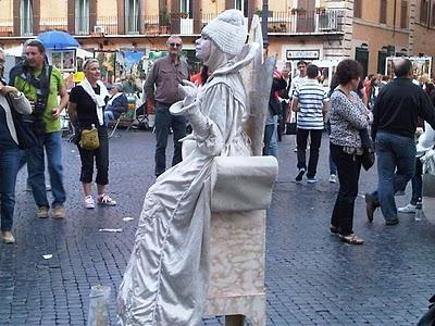 Guide Rome  - Piazza Navona, pêle-mêle du dimanche 1