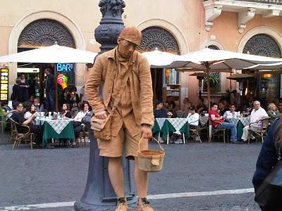 Guide Rome  - Piazza Navona, pêle-mêle du dimanche 6
