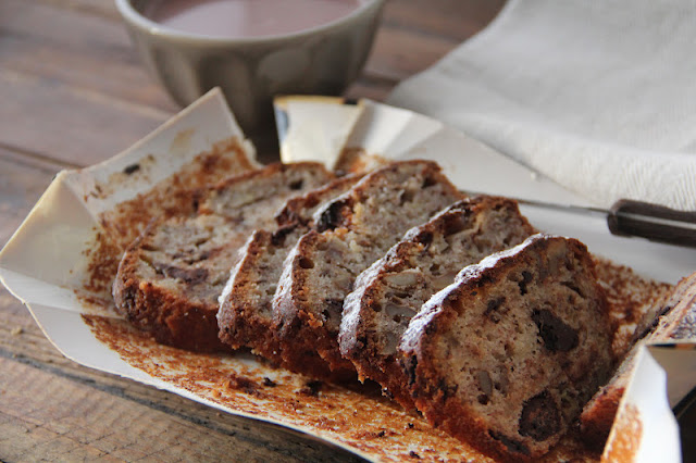 """""""Banana bread"""" bien moelleux aux noix et au chocolat 1"""