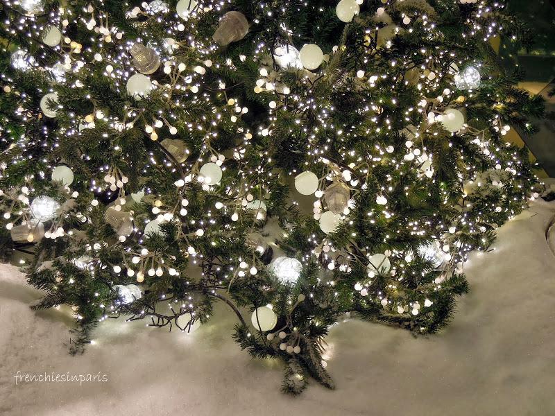 Vitrines de Noël à Paris : plongez dans l'ambiance de Noel en un instant 7