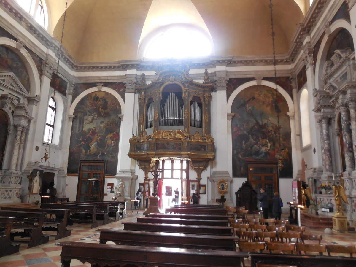 Décoration intérieure toute dévolue aux Finis, famille de nouveaux riches vénitiens.
