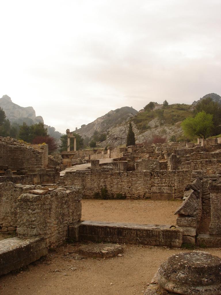 Saint-Rémy-de-Provence : plateau des Antiques et site archéologique de Glanum 5