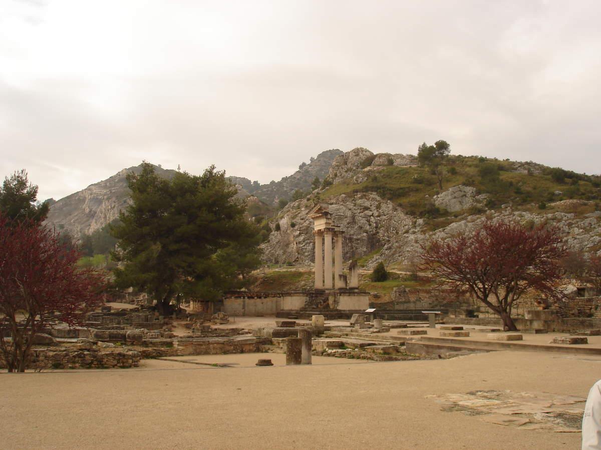 Saint-Rémy-de-Provence : plateau des Antiques et site archéologique de Glanum 11