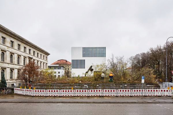 L'ancien temple d'honneur nazi dynamité sur la Königsplatz à Munich 2