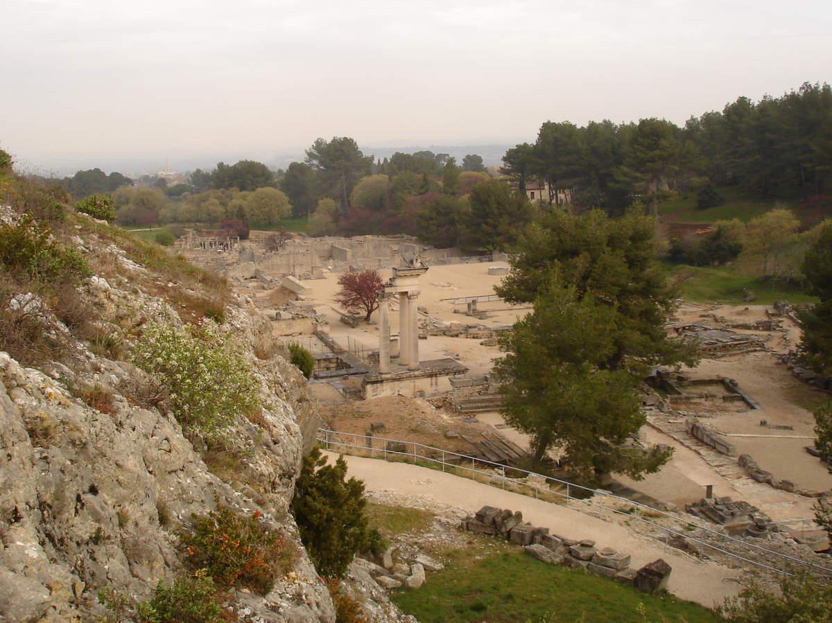 Saint-Rémy-de-Provence : plateau des Antiques et site archéologique de Glanum 17