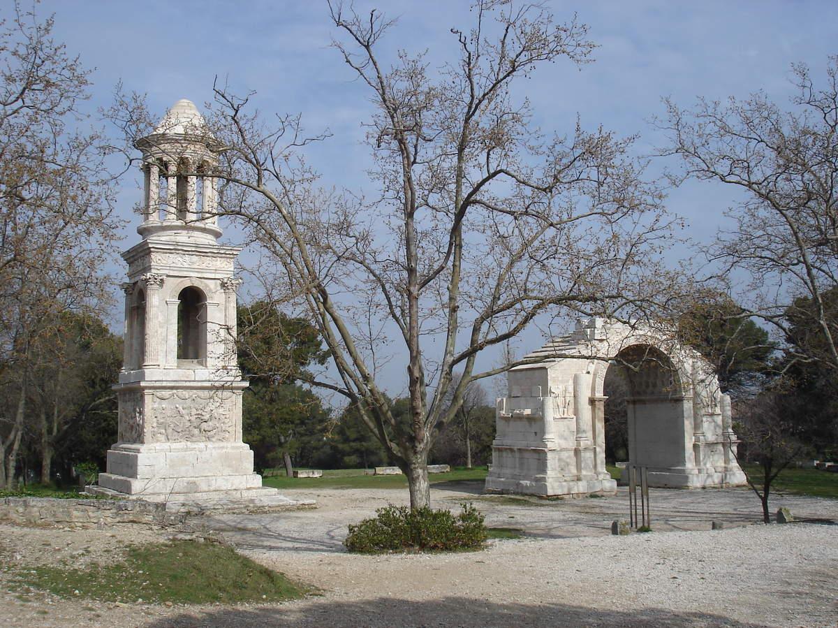 Saint-Rémy-de-Provence : plateau des Antiques et site archéologique de Glanum 19
