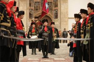 Cérémonie de la relève de la garde du régiment des cravates à Zagreb 1
