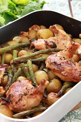 Recette de poulet roti au vin blanc aux pommes de terre, asperges vertes et citron (Cuisine anglaise) 3