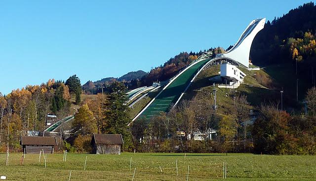 "Garmisch Partenkirchen : Grand tremplin olympique ""Große Olympiaschanze"" (Haute Baviere) 6"