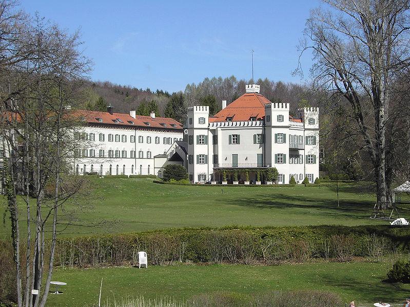 File:SchlossPossenhofen01.jpg