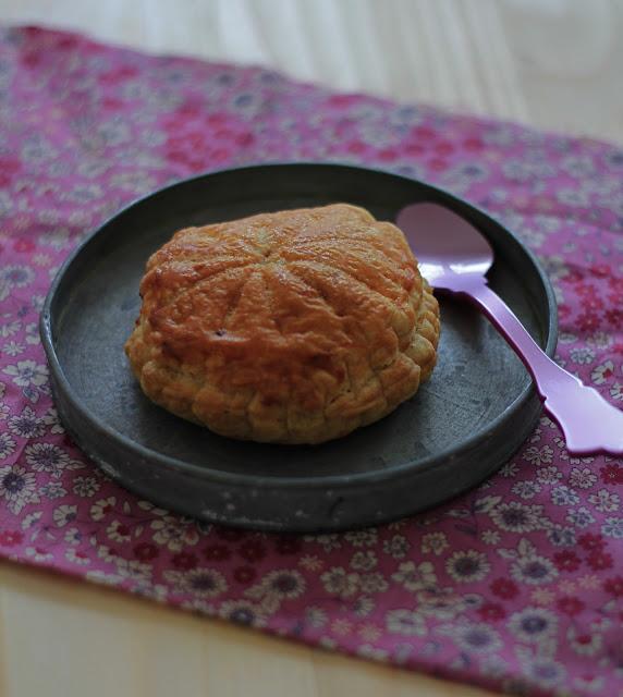 Galette des rois aux pralines roses (pâte feuilletée rapide) 1