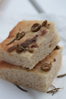 Foccacia olives romarin anchois