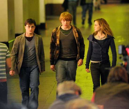 https://voyages.ideoz.fr/wp-content/plugins/wp-o-matic/cache/d06e3_harry-potter-and-the-deathly-hallows-trailer.jpg