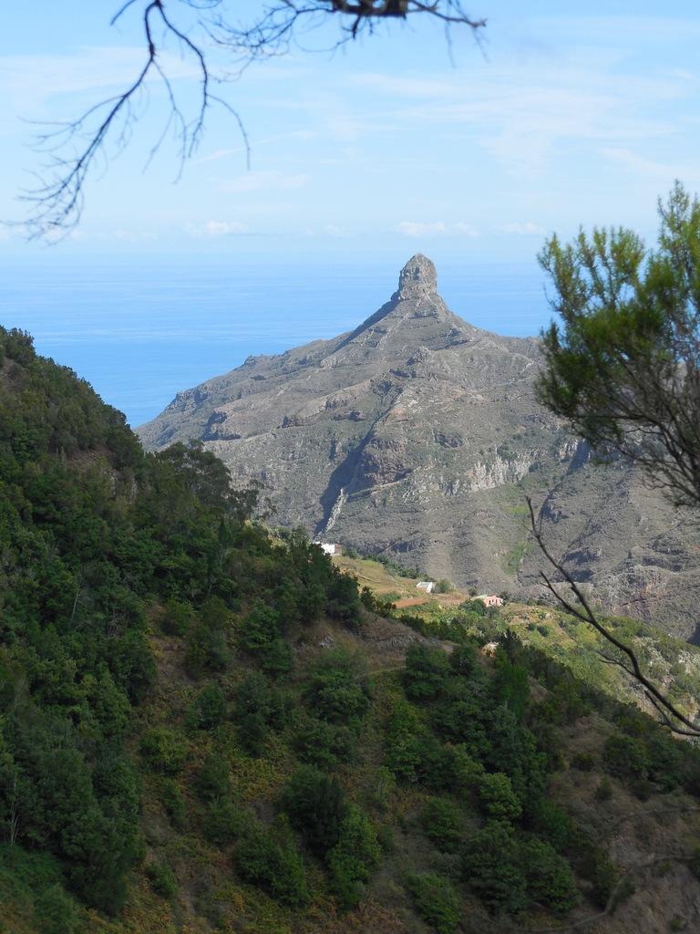 Le roque Taborno (707 m) est une ancienne cheminée volcanique érodée.