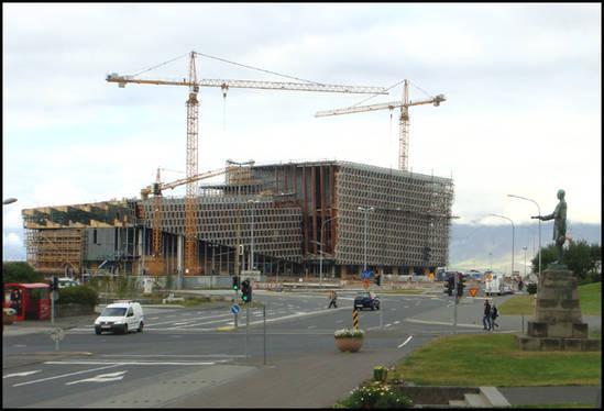 reykjavik-theatre-megalo.1287048325.jpg