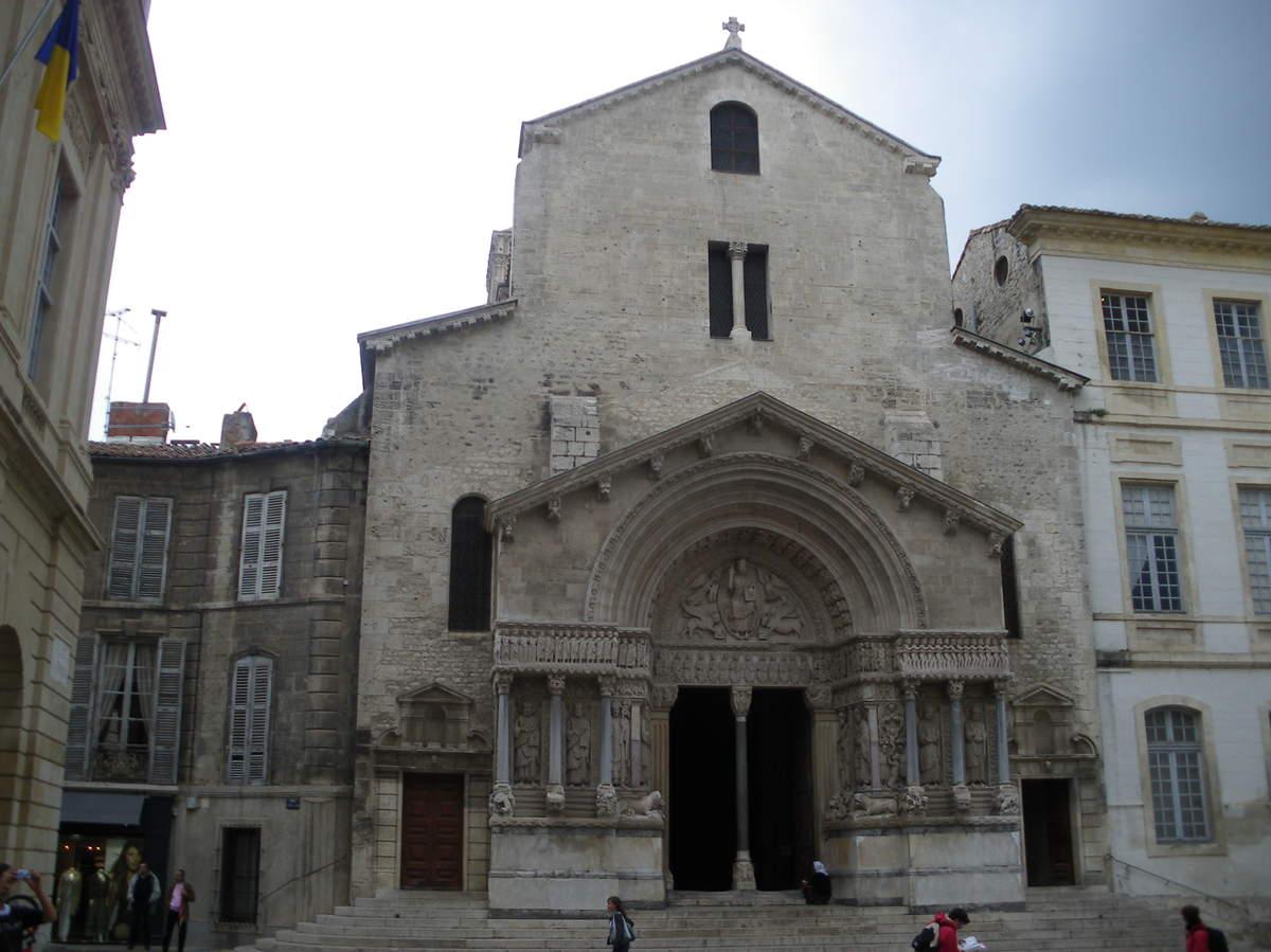 Arles ; ancienne colonie romaine au riche patrimoine historique en Provence 22