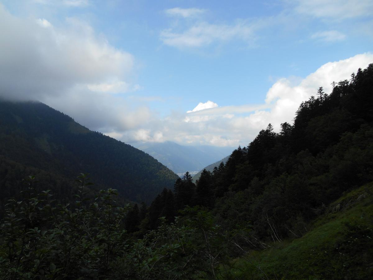 Vue sur la vallée de Bagnères-de-Luchon...