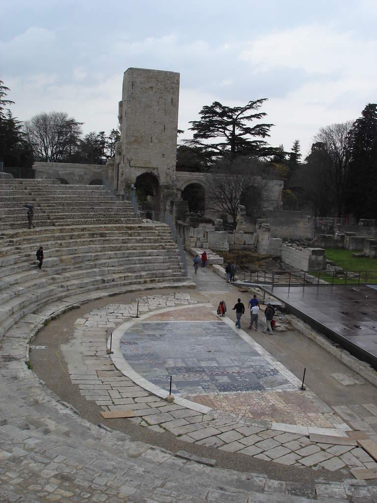 Arles ; ancienne colonie romaine au riche patrimoine historique en Provence 2