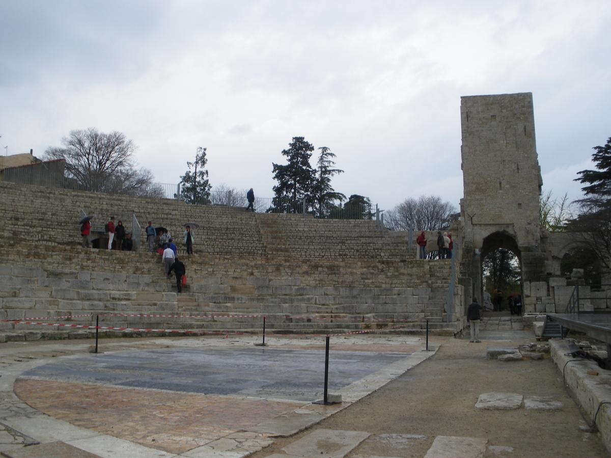 Arles ; ancienne colonie romaine au riche patrimoine historique en Provence 1