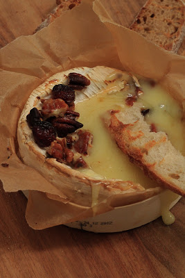 camembert au four fruits secs et miel recette normande