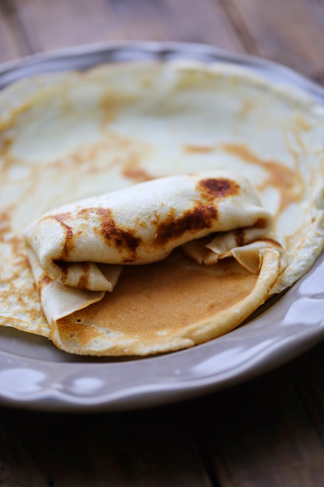 Blinchiki ; recette russe des crêpes au fromage blanc et aux raisins 4