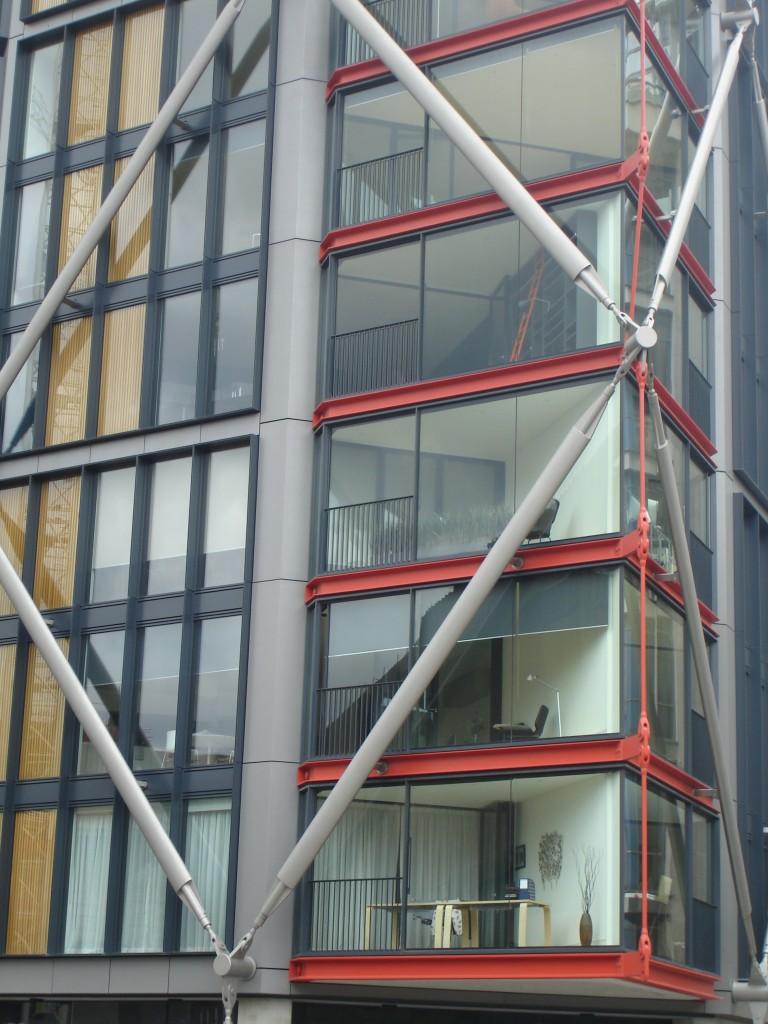 Tate Modern, Damien Hirst : artiste ou publicitaire ? 5