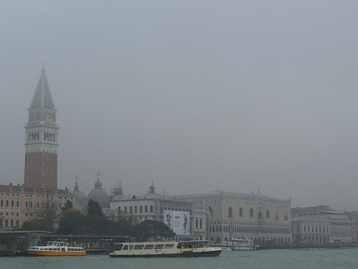 Depuis la pointe, vue sur San Marco et le Palais des Doges...