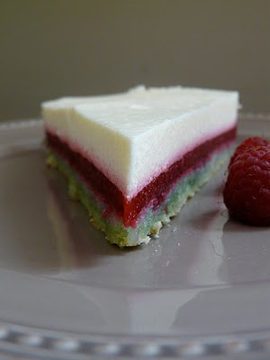 Gâteau dacquoise pistache, framboise, citron (Recette française) 2
