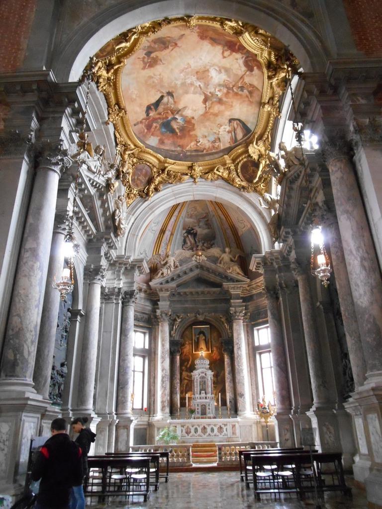 Chapelle San Domenico avec au plafond une peinture de Piazetta.