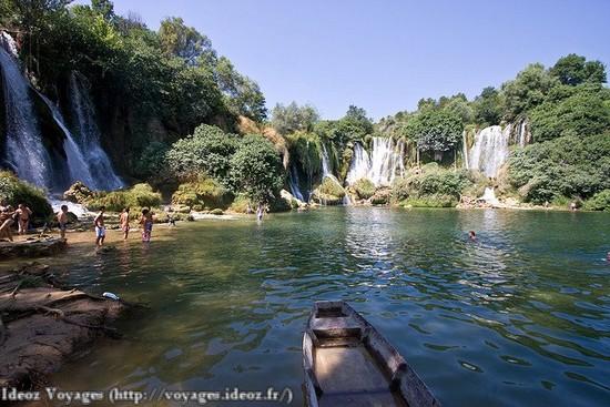 Kravice : lac et parc naturel de chutes en Bosnie-Herzégovine 11