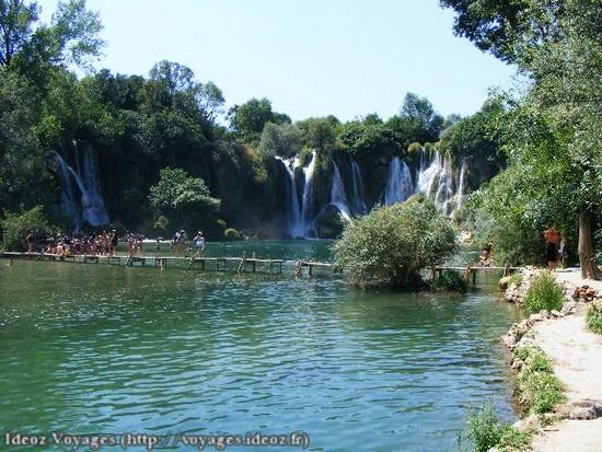 Kravice : lac et parc naturel de chutes en Bosnie-Herzégovine 12