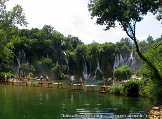 Kravice : lac et parc naturel de chutes en Bosnie-Herzégovine 16