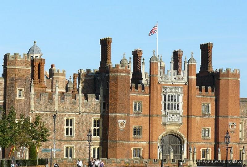 Château d'Hampton Court et ses jardins ; l'une des demeures d'Henry VIII (Tourisme Angleterre) 1