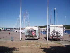 Camping-cars en escale à la marina de Pirita