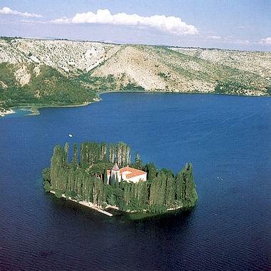 Parc de Krka, îlot et monastère de Visovac - crédit photo : www.chorvatsko.cz