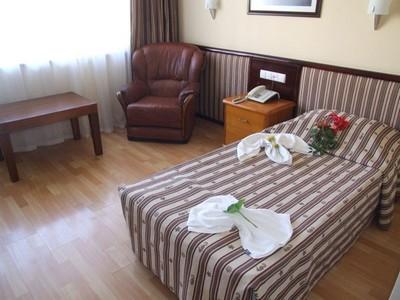 Hotel Ozbekhan Antalya ; bon hôtel à 50 mètres des plages (Hotel Turquie) 4