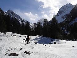 Pyrénées : Randonnée en raquettes au Lac d'Estom (1804 m) 1