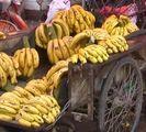 marche bananes Mignardises et macarons : jour de marché