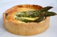 Tarte aux pois, poireaux et asperges ; Pea and leek tart with glazed asparagus (Recette anglaise) 1