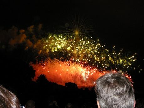 Feu d'artifice de Carcassonne du 14 Juillet ; sublime embrasement de la cité médiévale 10