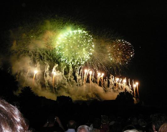 Feu d'artifice de Carcassonne du 14 Juillet ; sublime embrasement de la cité médiévale 4