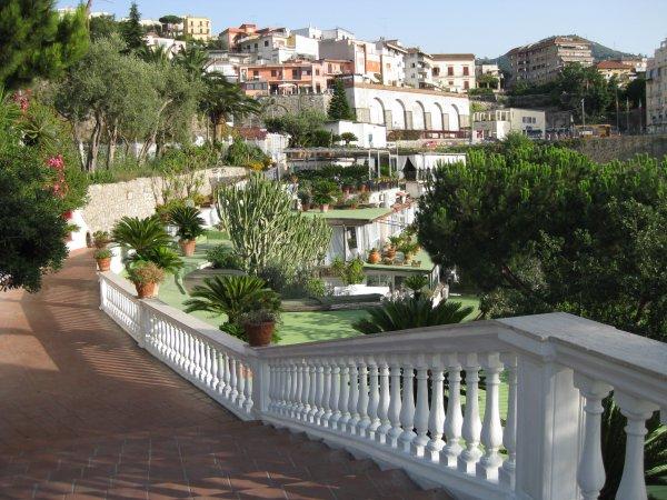Vico Equense : Hôtel Oriente, un village à flanc de falaise dans la Baie de Naples 3